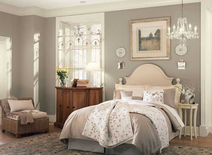 Спальня бежевого цвета