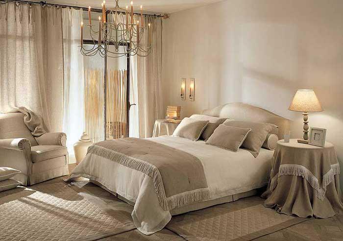 Светлые бежевые спальни