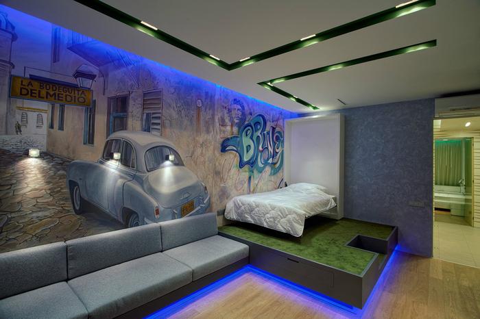 Спальня с графити