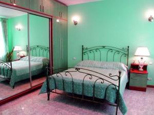 Как оформить дизайн интерьера спальни в хрущевке?