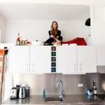 Кухня и спальня в одной комнате!
