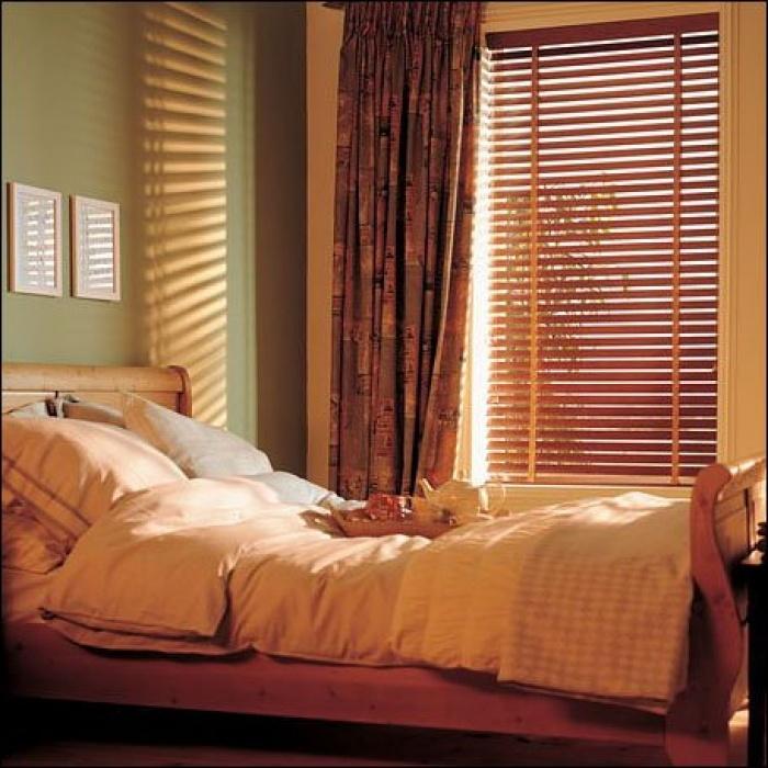 жалюзи в спальню
