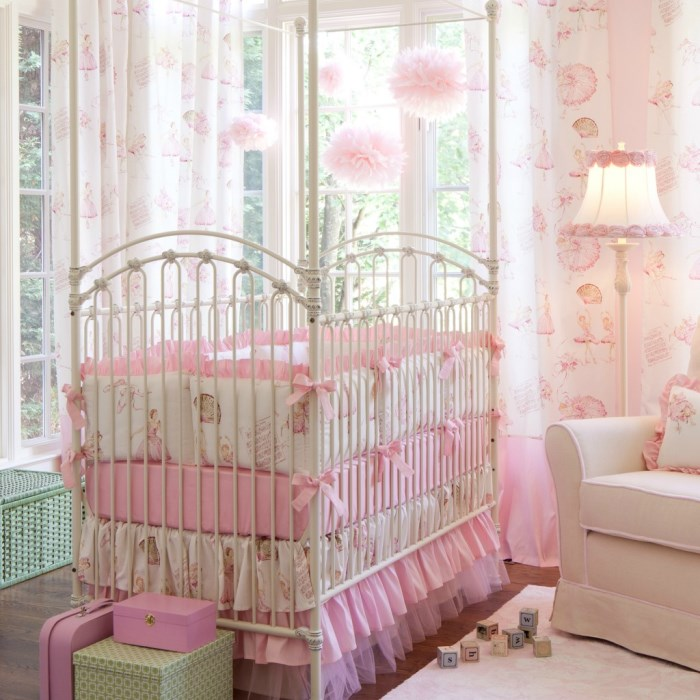 Royal-Ballet-Crib-Bedding-1024x1024