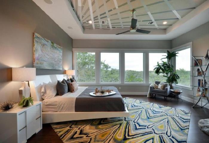 8 большая спальня с картиной