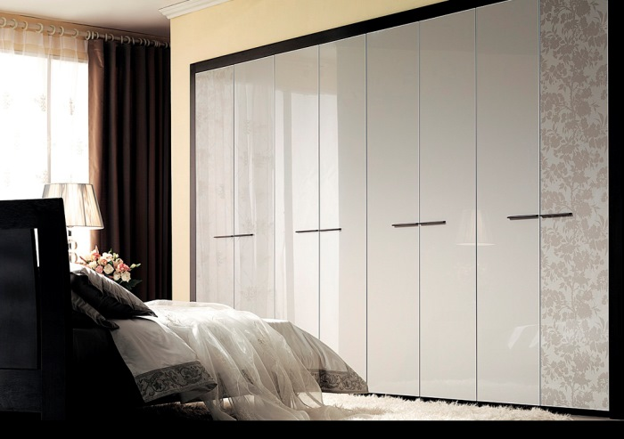 Interior_Stylish_fitted_wardrobe_005001_
