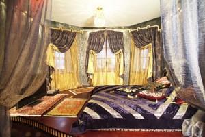 Экзотические шторы для спальни