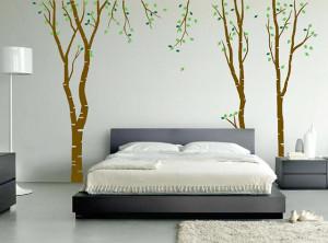 Рисунок дерева в спальне